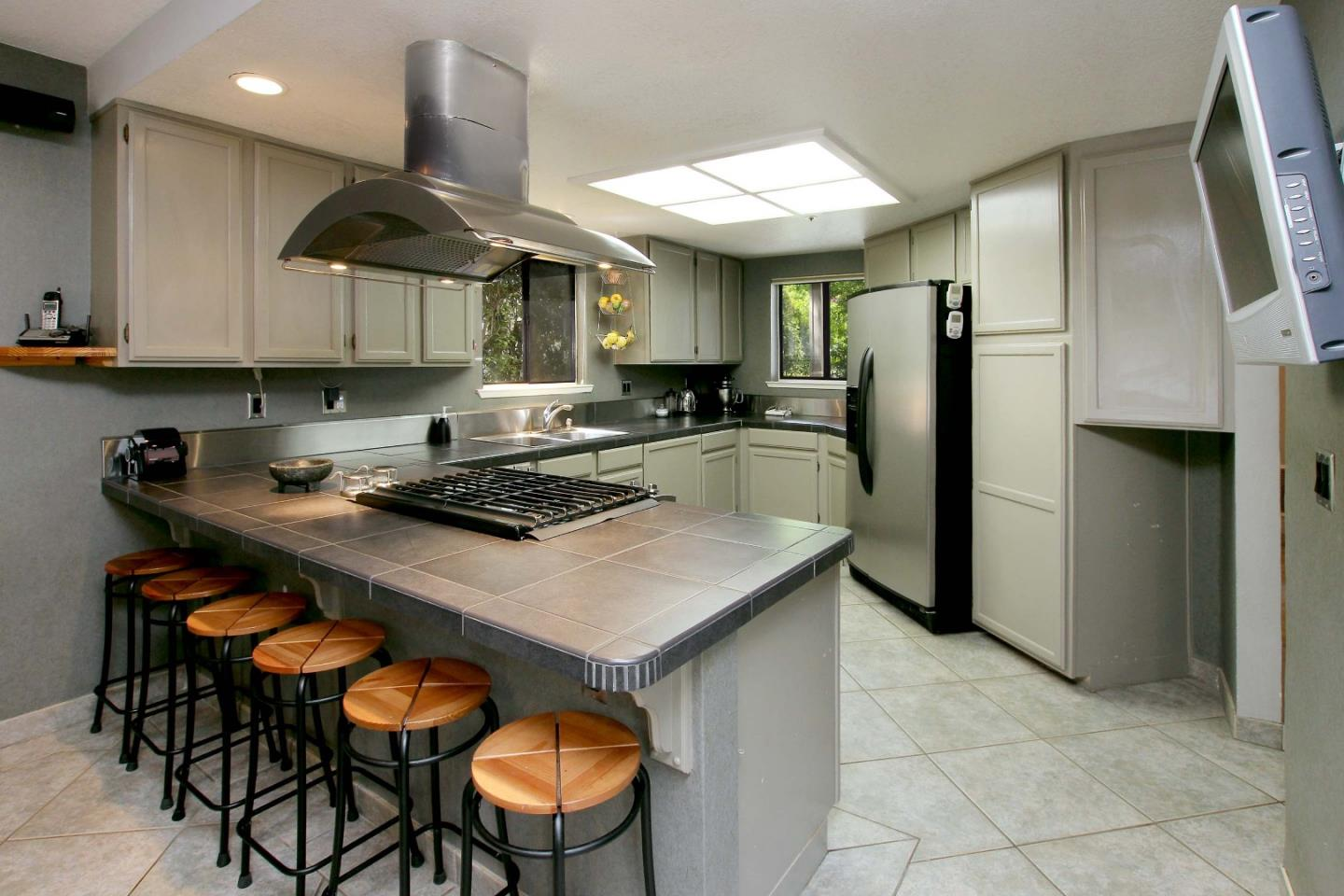 Detail Gallery Image 1 of 29 For 329 Village Creek Rd, Aptos, CA, 95003 - 3 Beds | 2/1 Baths