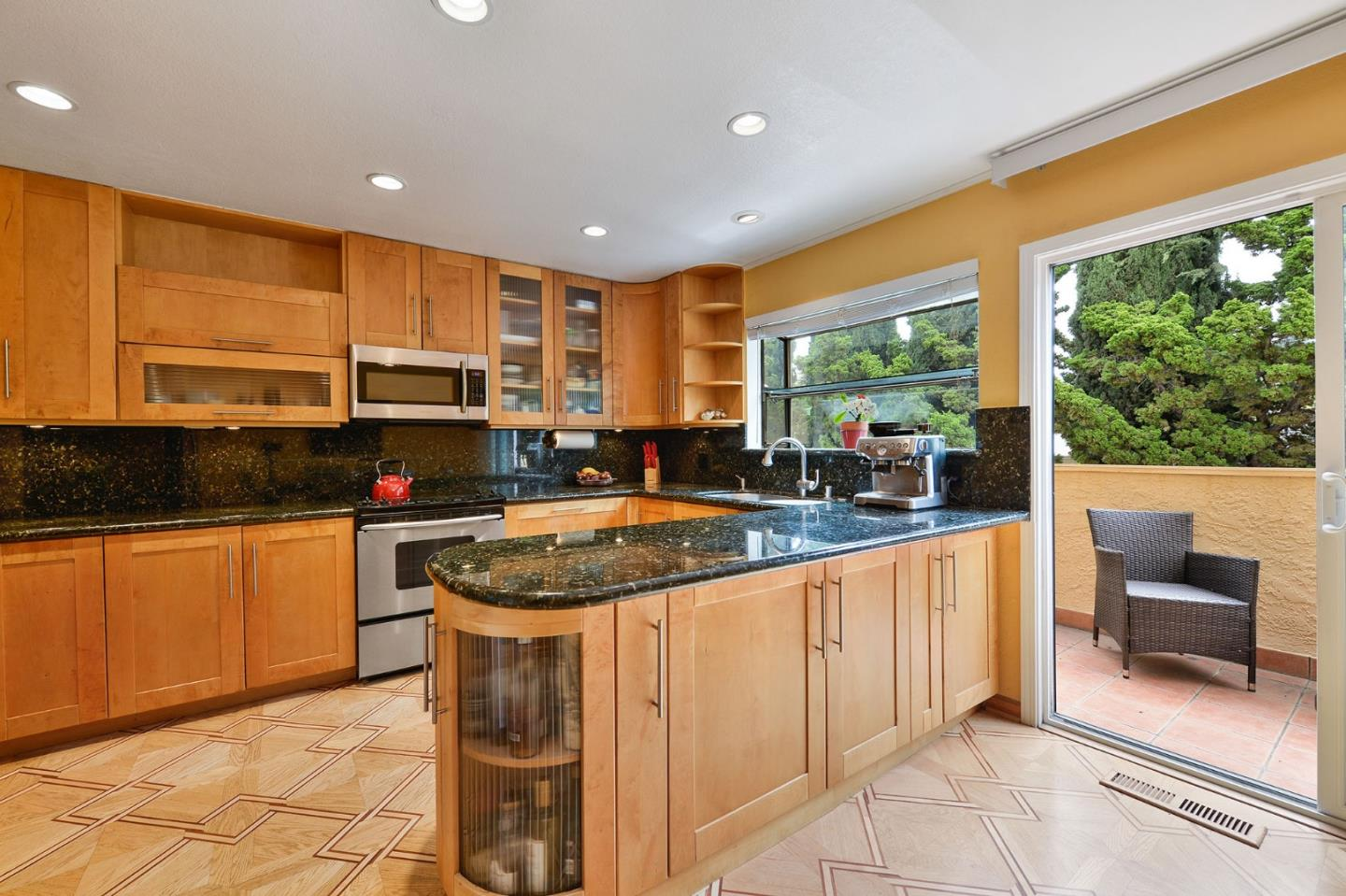 Detail Gallery Image 1 of 1 For 2149 Junction Ave #4, Mountain View, CA 94043 - 3 Beds | 2/1 Baths
