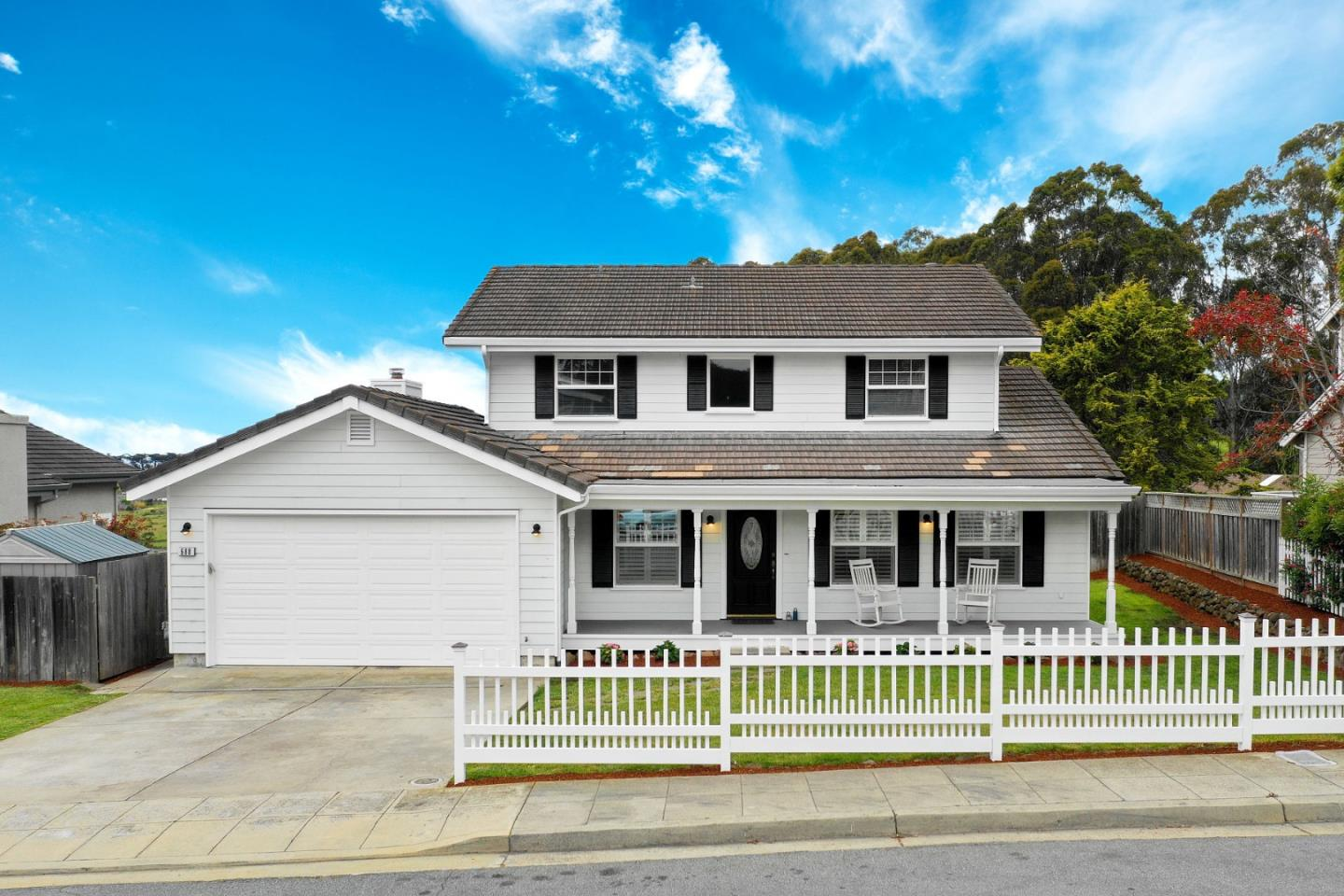 Detail Gallery Image 1 of 1 For 688 Silver Ave, Half Moon Bay, CA 94019 - 3 Beds | 2/1 Baths
