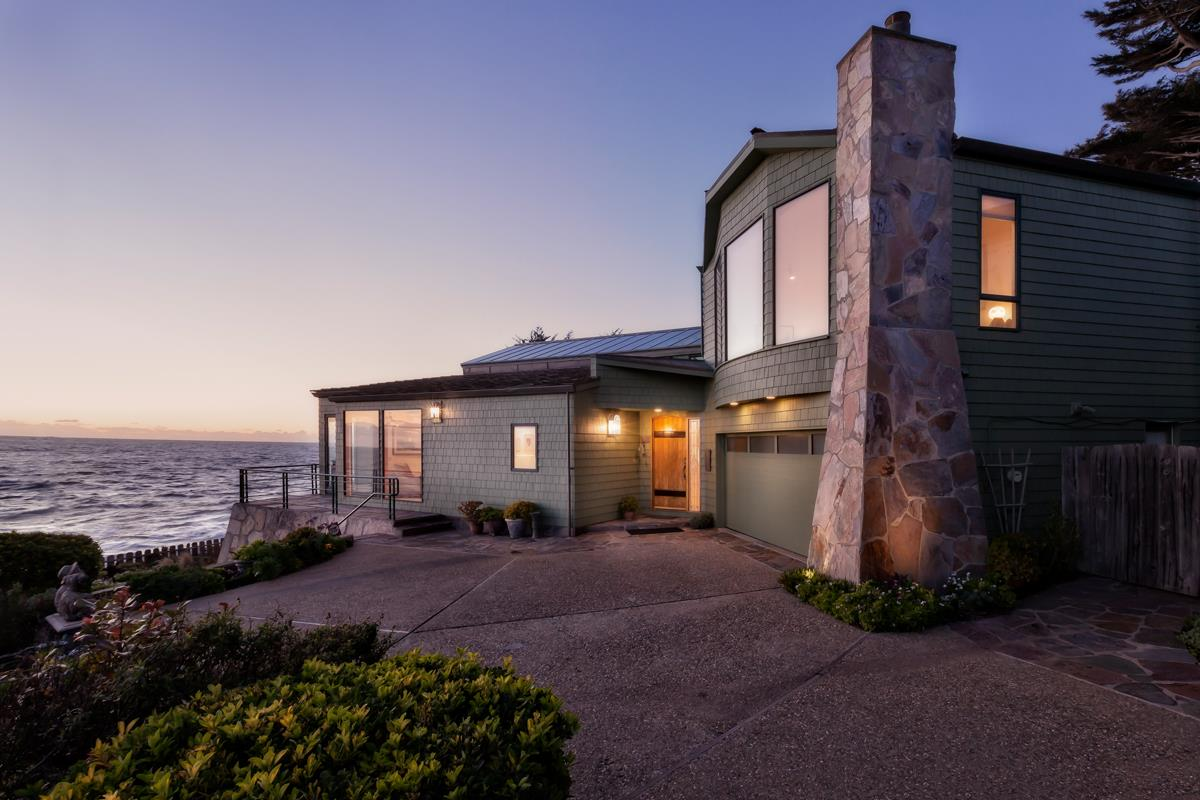 Detail Gallery Image 1 of 20 For 101 Niagra Ave, Moss Beach, CA, 94038 - 3 Beds | 3/1 Baths
