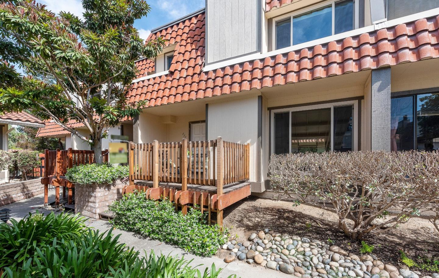 Detail Gallery Image 1 of 1 For 837 Monty Cir, Santa Clara, CA 95050 - 2 Beds | 2/1 Baths