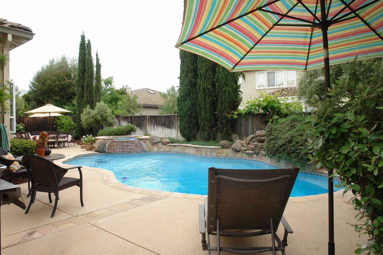 1510 Mission Avenida Morgan Hill, CA 95037