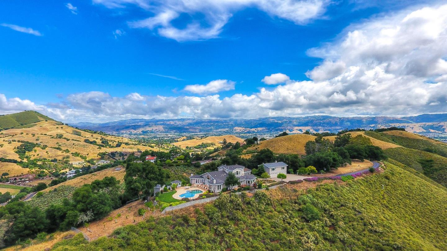 1586 Brewster LN, Morgan Hill, California