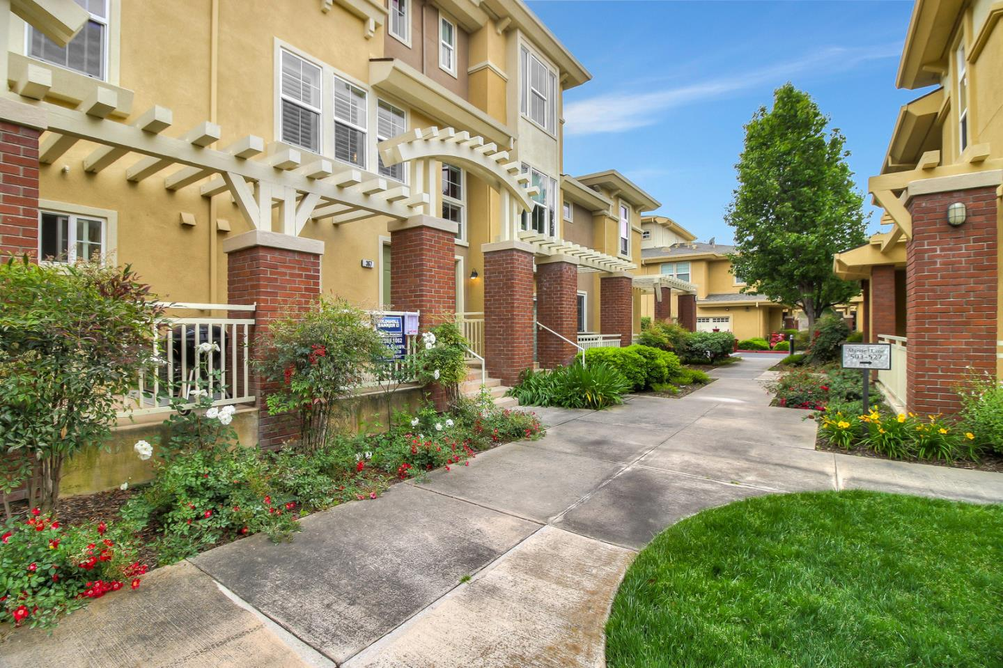 Detail Gallery Image 1 of 25 For 367 Cereza Pl, San Jose, CA 95112 - 2 Beds | 2/1 Baths