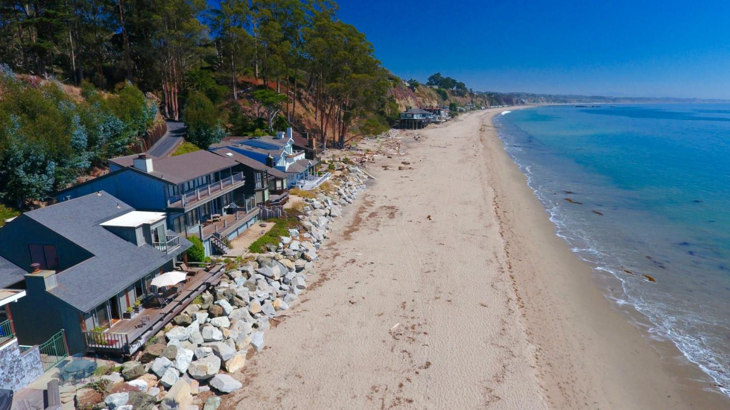 Detail Gallery Image 1 of 29 For 24 Potbelly Beach Rd, Aptos, CA 95003 - 4 Beds | 3/1 Baths