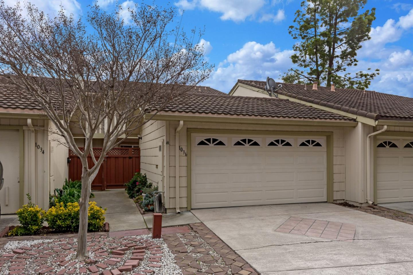 Detail Gallery Image 1 of 1 For 1036 Polk Ln, San Jose, CA 95117 - 3 Beds | 2/1 Baths