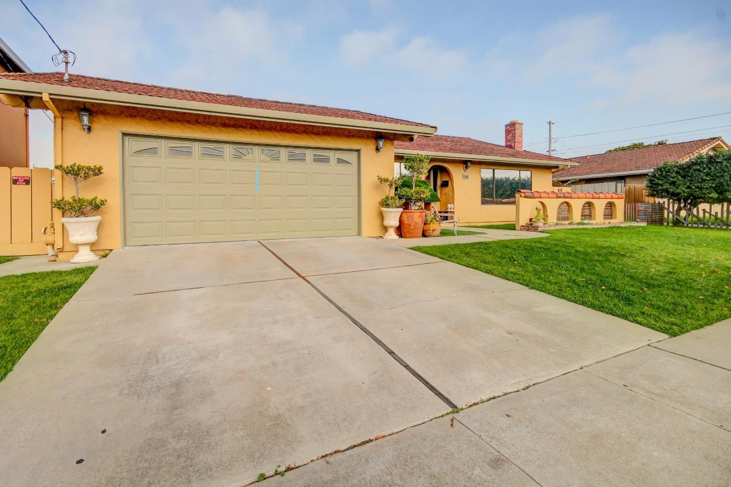 Detail Gallery Image 1 of 1 For 10881 Pomber St, Castroville,  CA 95012 - 3 Beds | 2 Baths