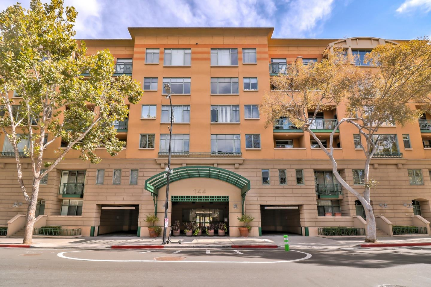 Detail Gallery Image 1 of 1 For 144 S 3rd St #110,  San Jose,  CA 95112 - 2 Beds | 2/1 Baths