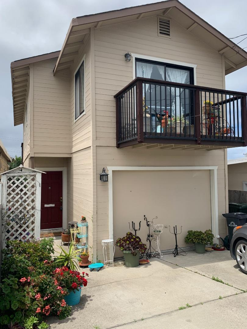 Detail Gallery Image 1 of 1 For 1299 Waring St, Seaside, CA 93955 - 2 Beds | 2/1 Baths
