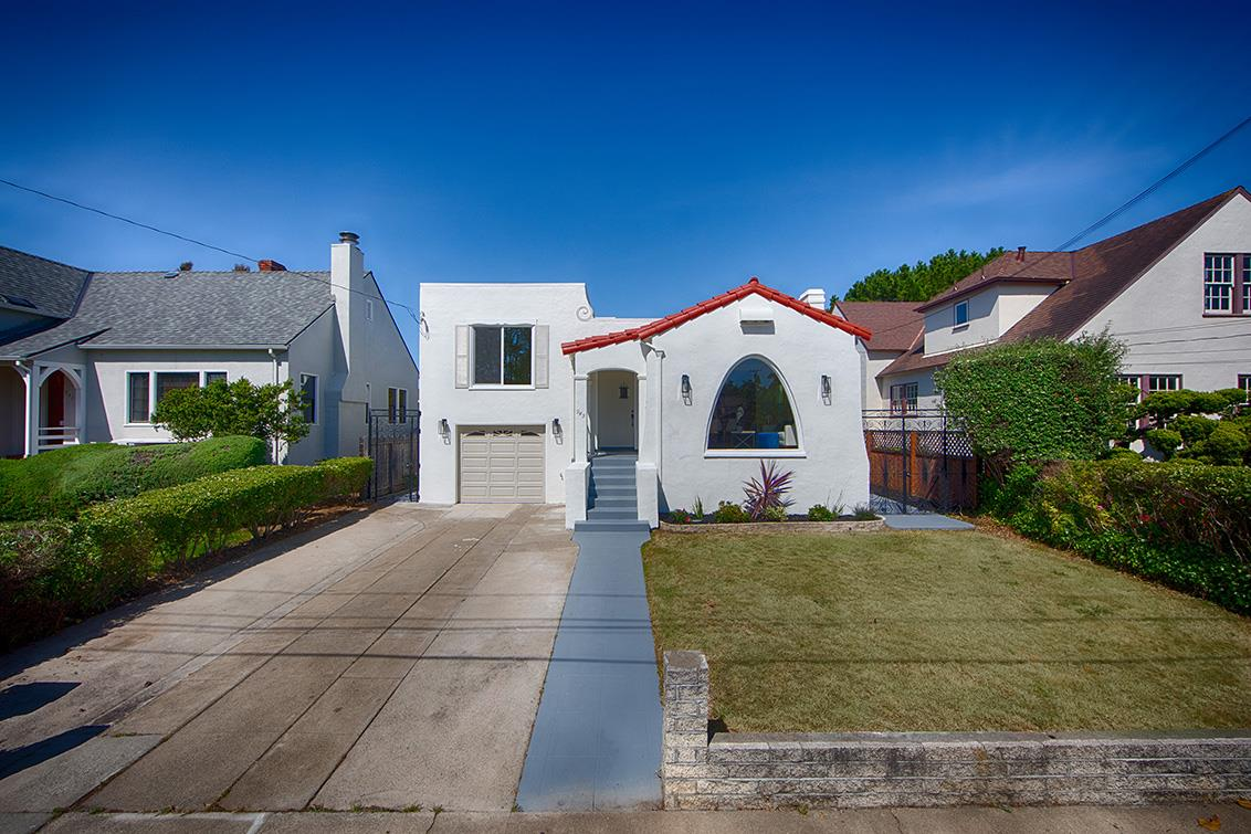 Detail Gallery Image 1 of 1 For 945 S Grant St, San Mateo, CA 94402 - 3 Beds | 2 Baths