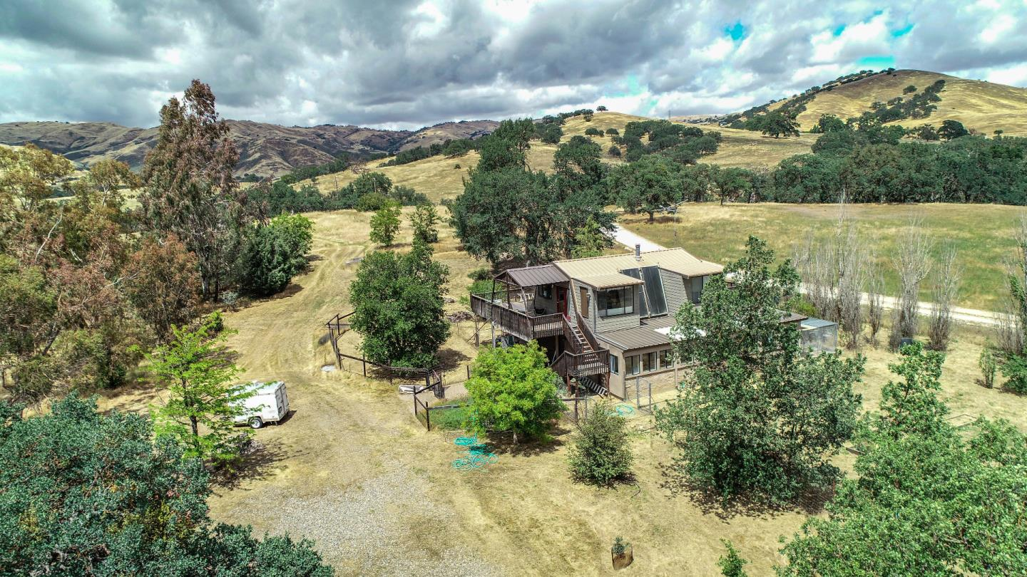 20104 Panoche Rd Paicines Ca 95043 2 Beds 2 Baths