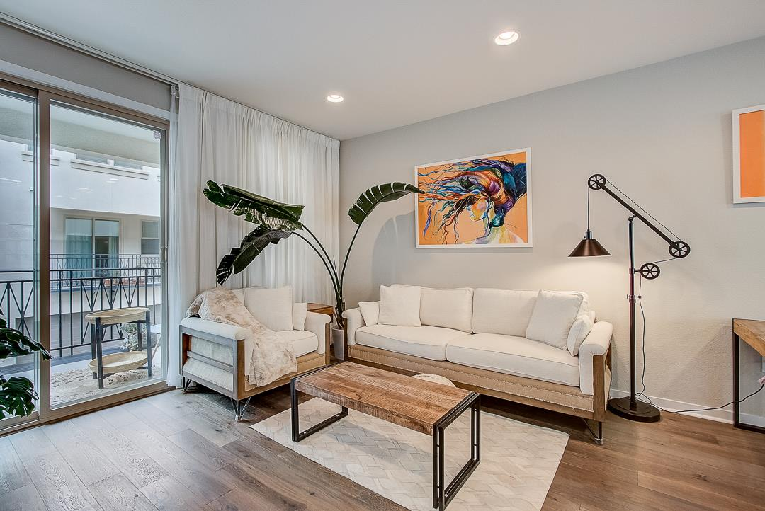 Detail Gallery Image 1 of 1 For 1072 Foxglove Pl #1072, San Jose, CA 95131 - 3 Beds | 3/1 Baths