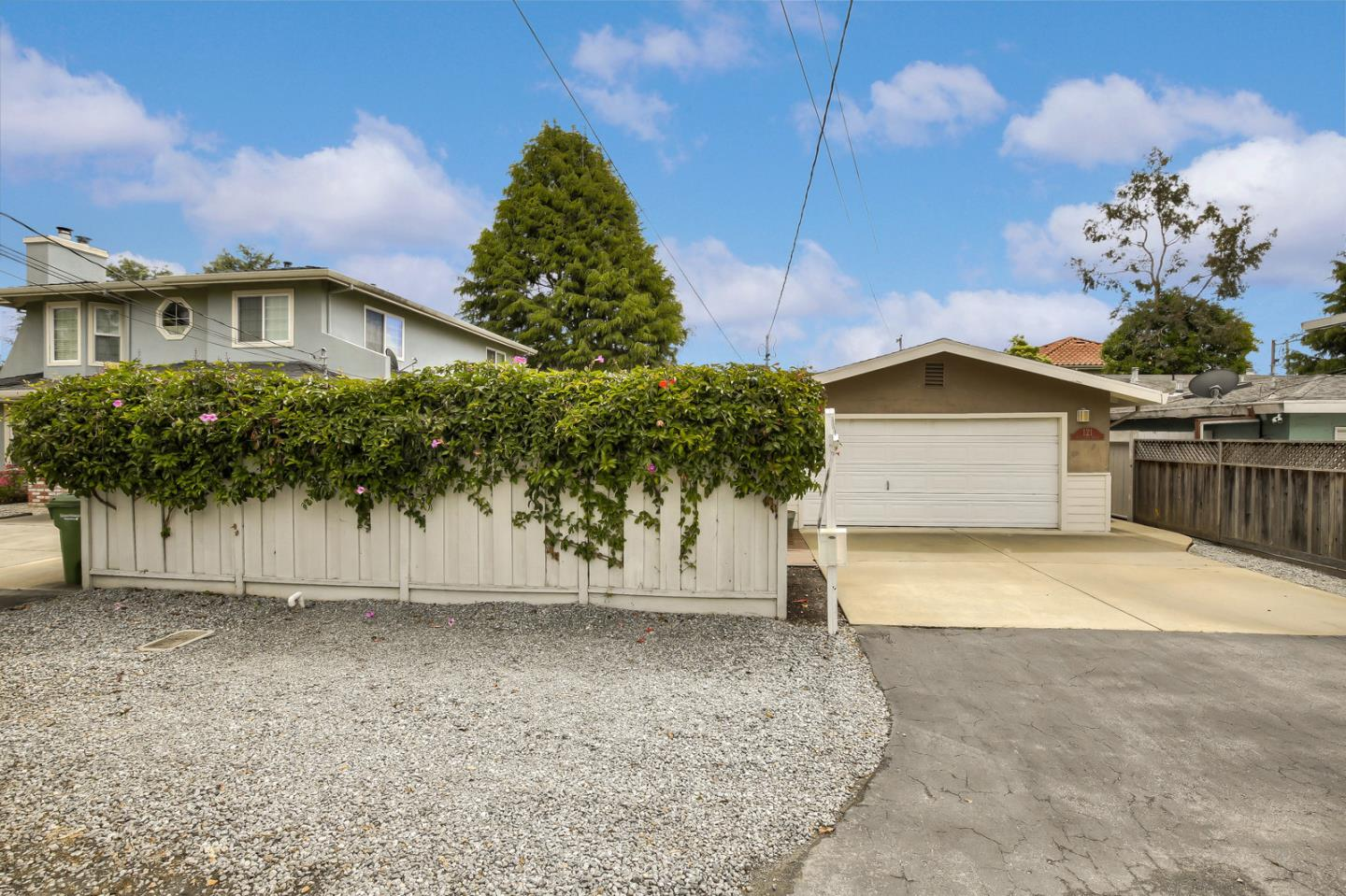 Detail Gallery Image 1 of 1 For 121 Seacliff Dr, Aptos, CA, 95003 - 3 Beds | 1 Baths