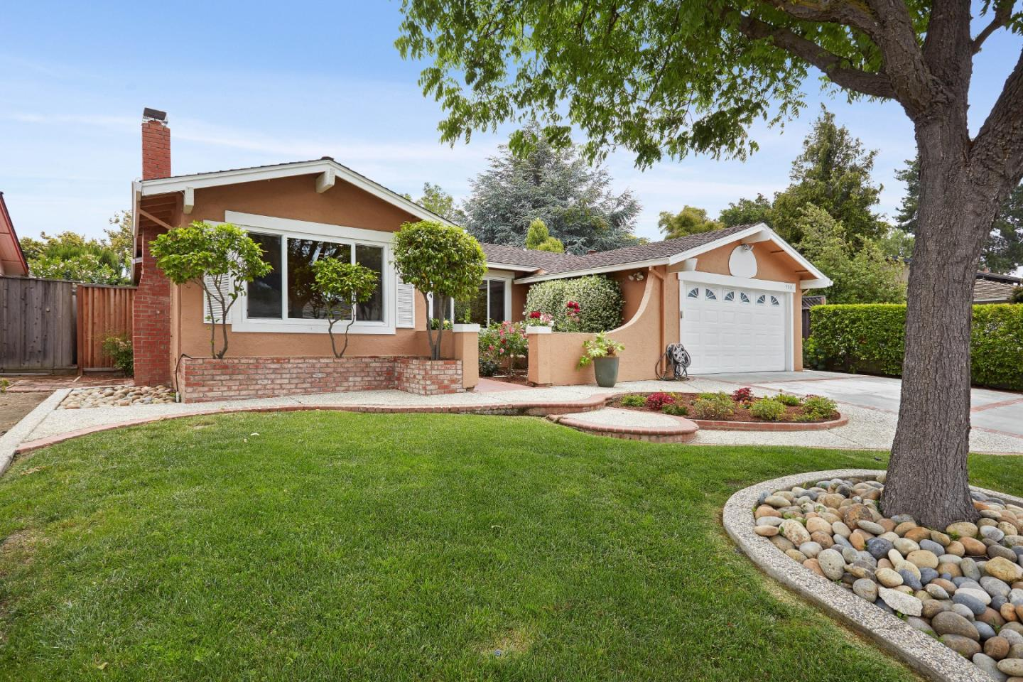 Detail Gallery Image 1 of 1 For 908 Bluebonnet Dr, Sunnyvale, CA 94086 - 4 Beds   2 Baths