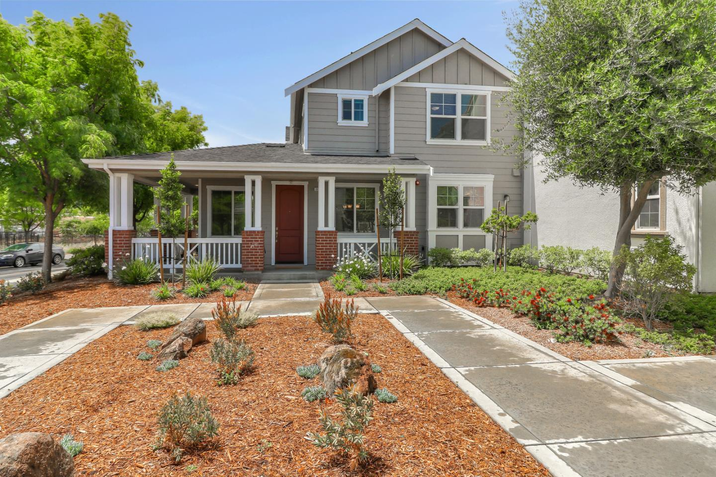 Detail Gallery Image 1 of 1 For 140 Sarafina Way, Gilroy, CA 95020 - 3 Beds | 2/1 Baths