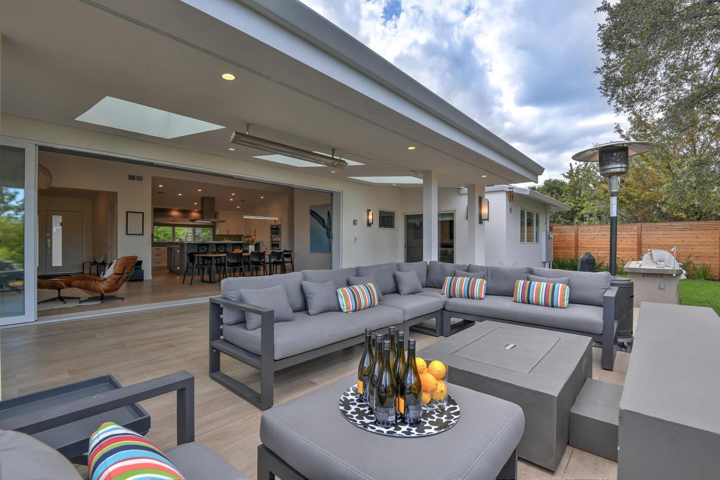Detail Gallery Image 1 of 1 For 739 College Ct, Los Altos, CA, 94022 - 4 Beds   2/1 Baths