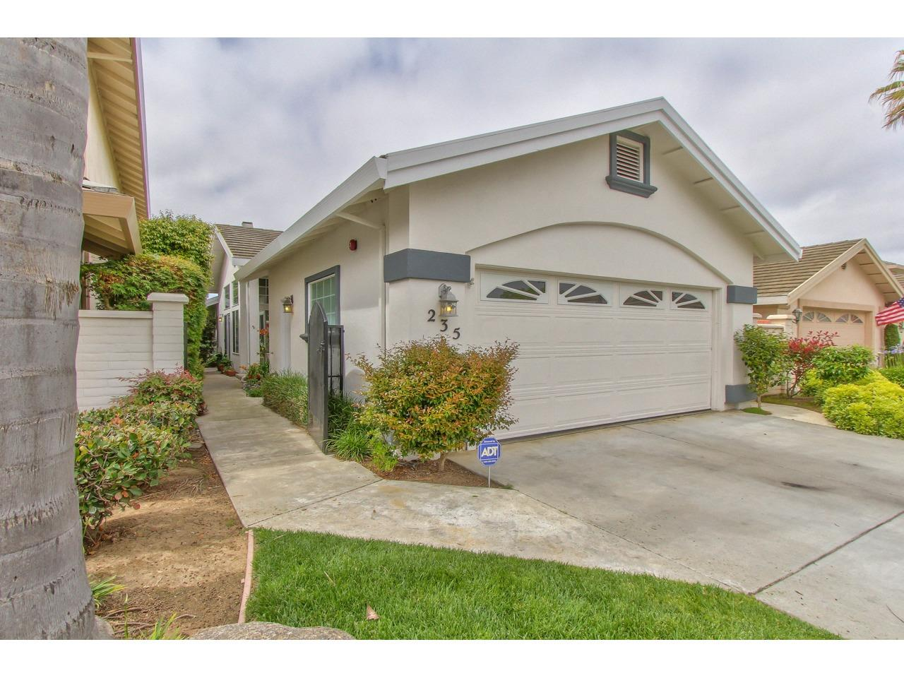 Detail Gallery Image 1 of 1 For 235 Montclair Ln, Salinas,  CA 93906 - 2 Beds | 2 Baths