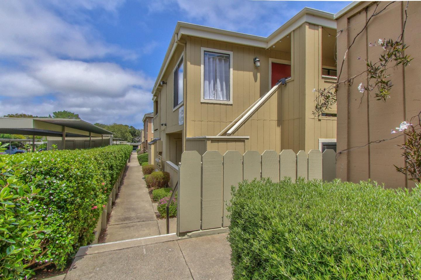 Detail Gallery Image 1 of 1 For 820 Casanova Ave #124, Monterey, CA 93940 - 1 Beds | 1 Baths