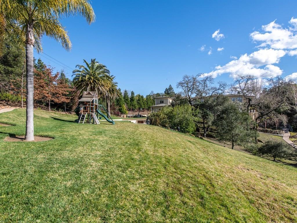 27861 Natoma RD Los Altos Hills, CA 94022