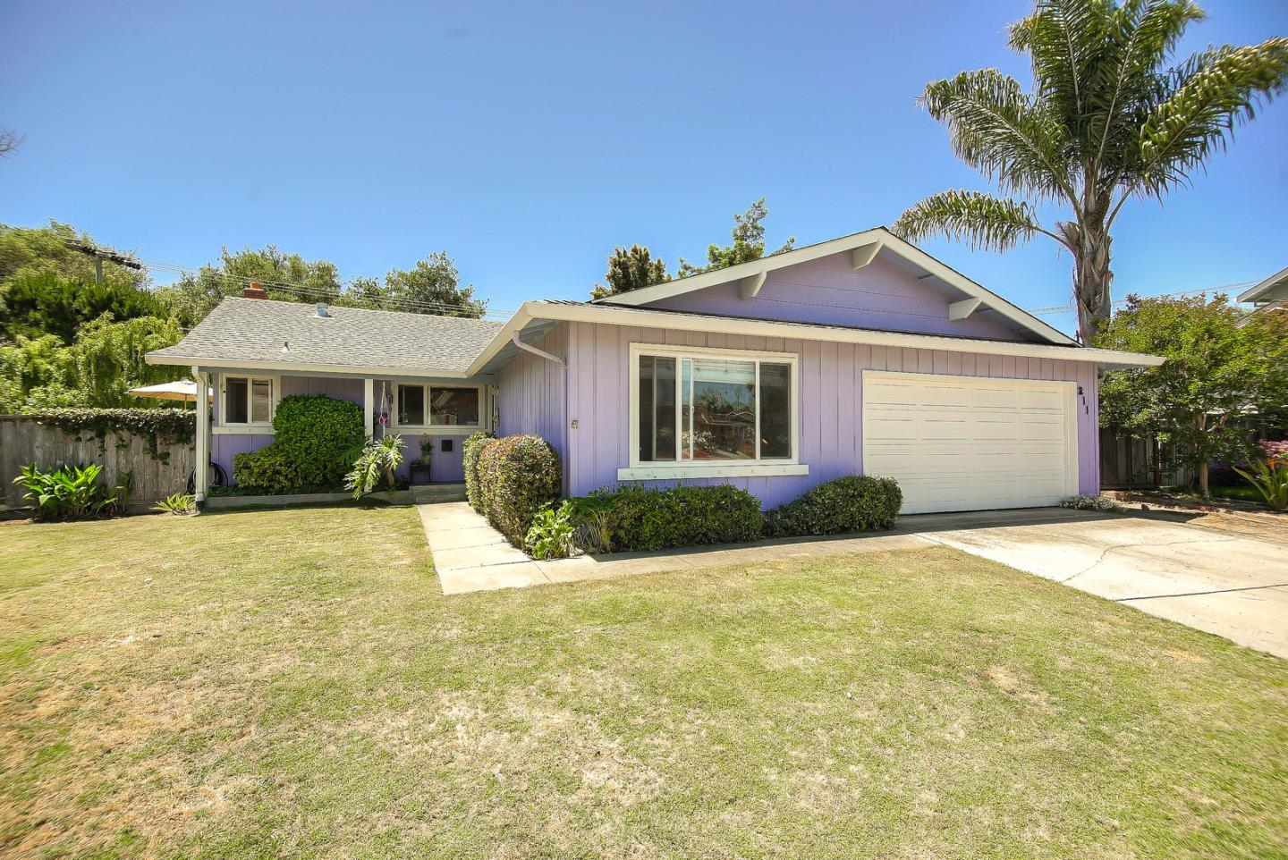 Detail Gallery Image 1 of 1 For 211 Junipero Ct, Capitola, CA 95010 - 3 Beds | 2 Baths