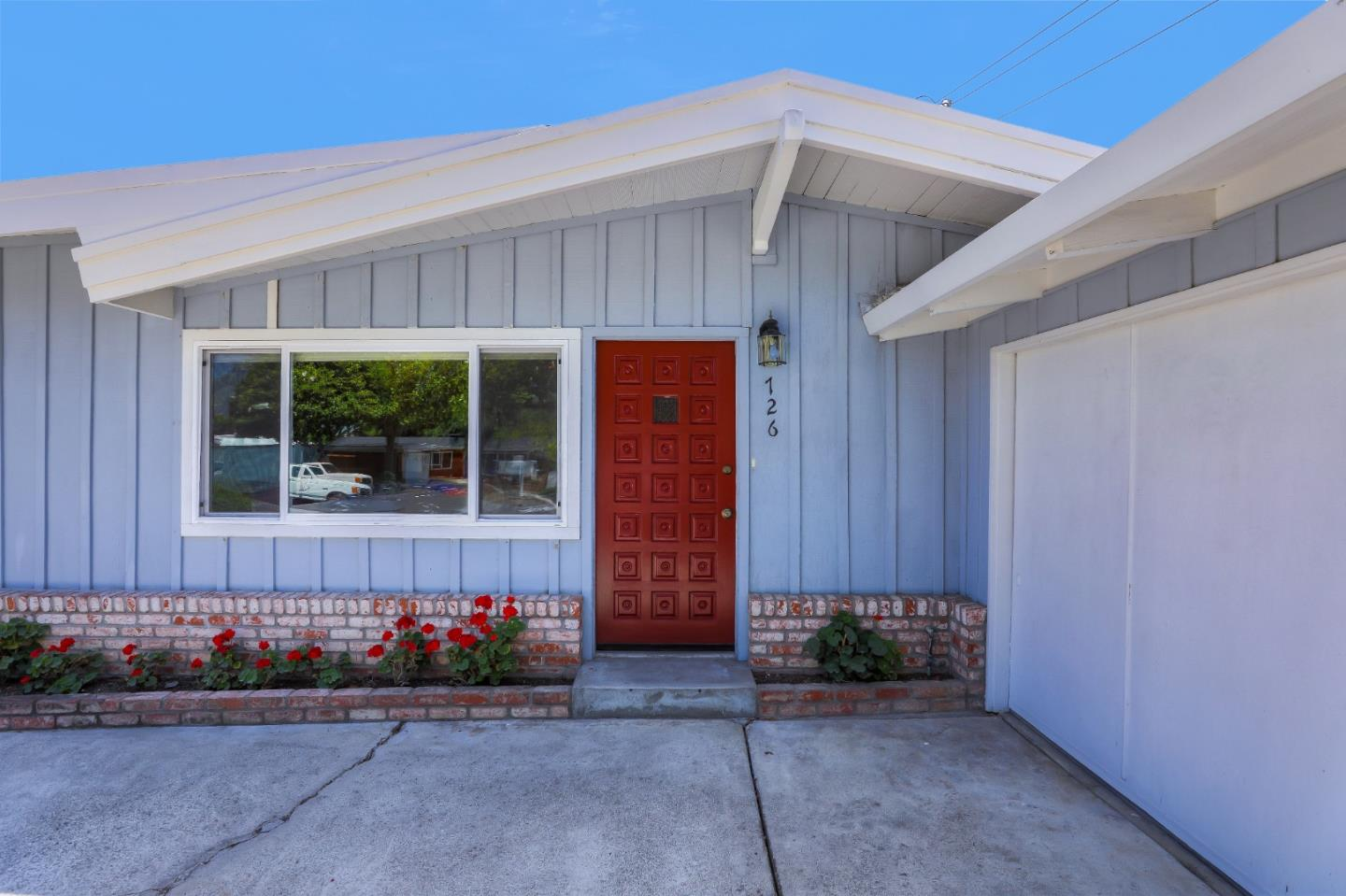 Detail Gallery Image 1 of 1 For 726 Lakewood Dr, Sunnyvale, CA 94089 - 3 Beds | 2 Baths