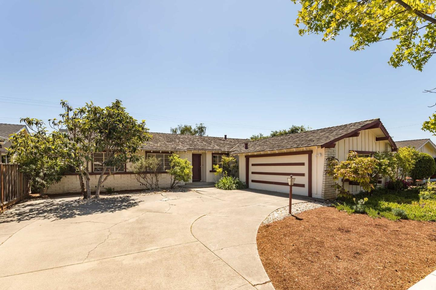Detail Gallery Image 1 of 1 For 10180 Barbara Ln, Cupertino, CA 95014 - 4 Beds | 2 Baths