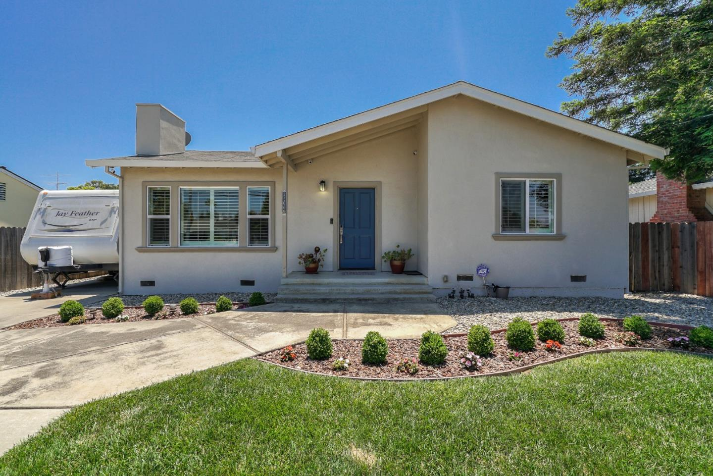 Detail Gallery Image 1 of 1 For 1300 Westmont Ave, Campbell, CA 95008 - 3 Beds | 2 Baths