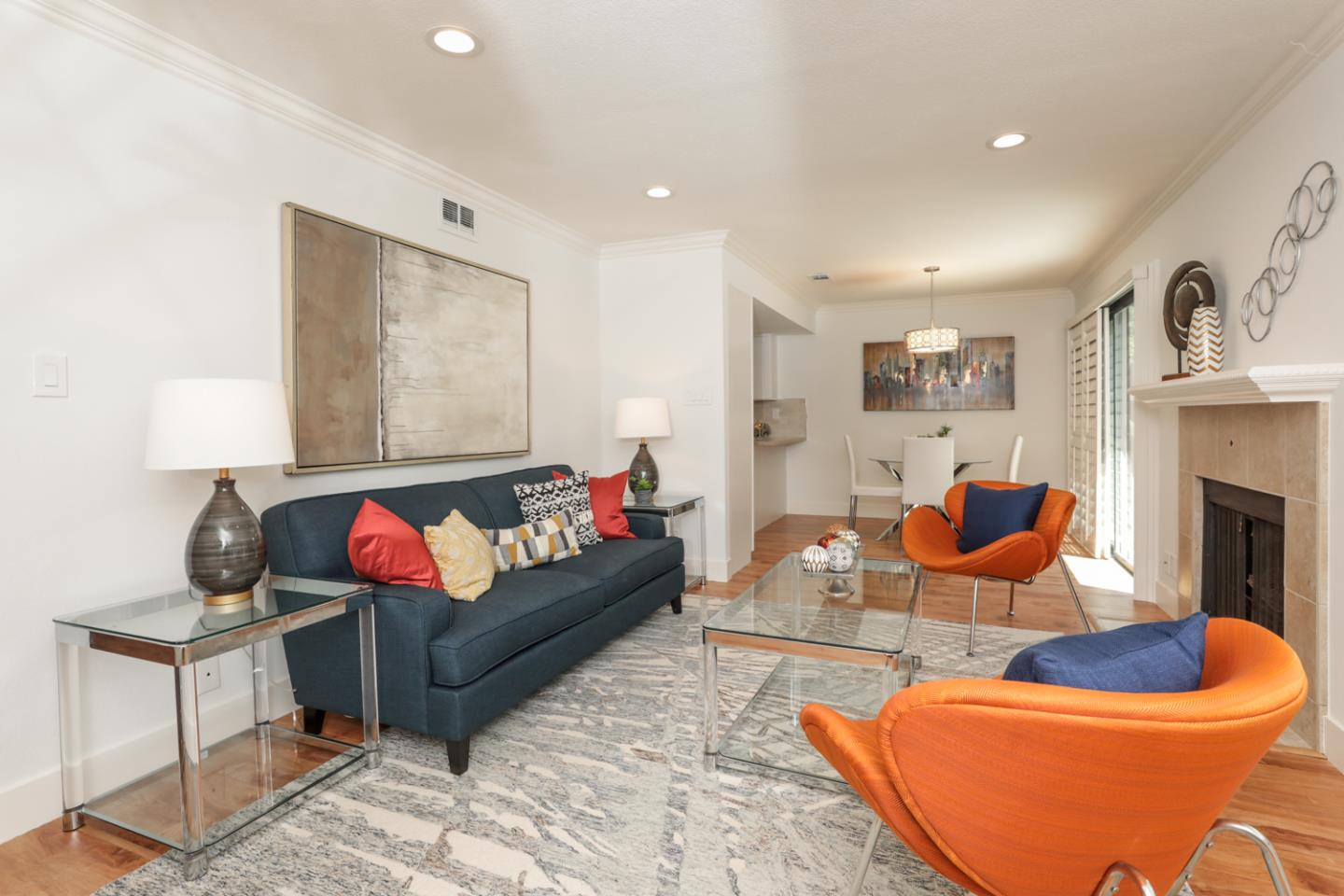 Detail Gallery Image 1 of 1 For 1354 Dale Ave #4, Mountain View, CA 94040 - 2 Beds | 2/1 Baths
