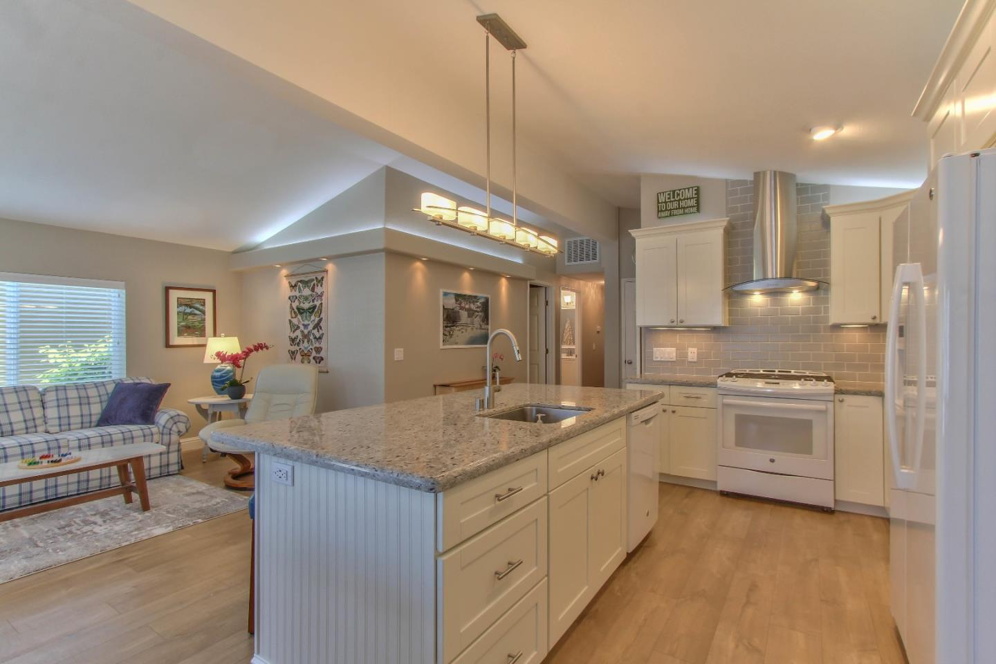 Detail Gallery Image 1 of 1 For 700 Briggs Ave #73, Pacific Grove, CA 93950 - 3 Beds | 2 Baths