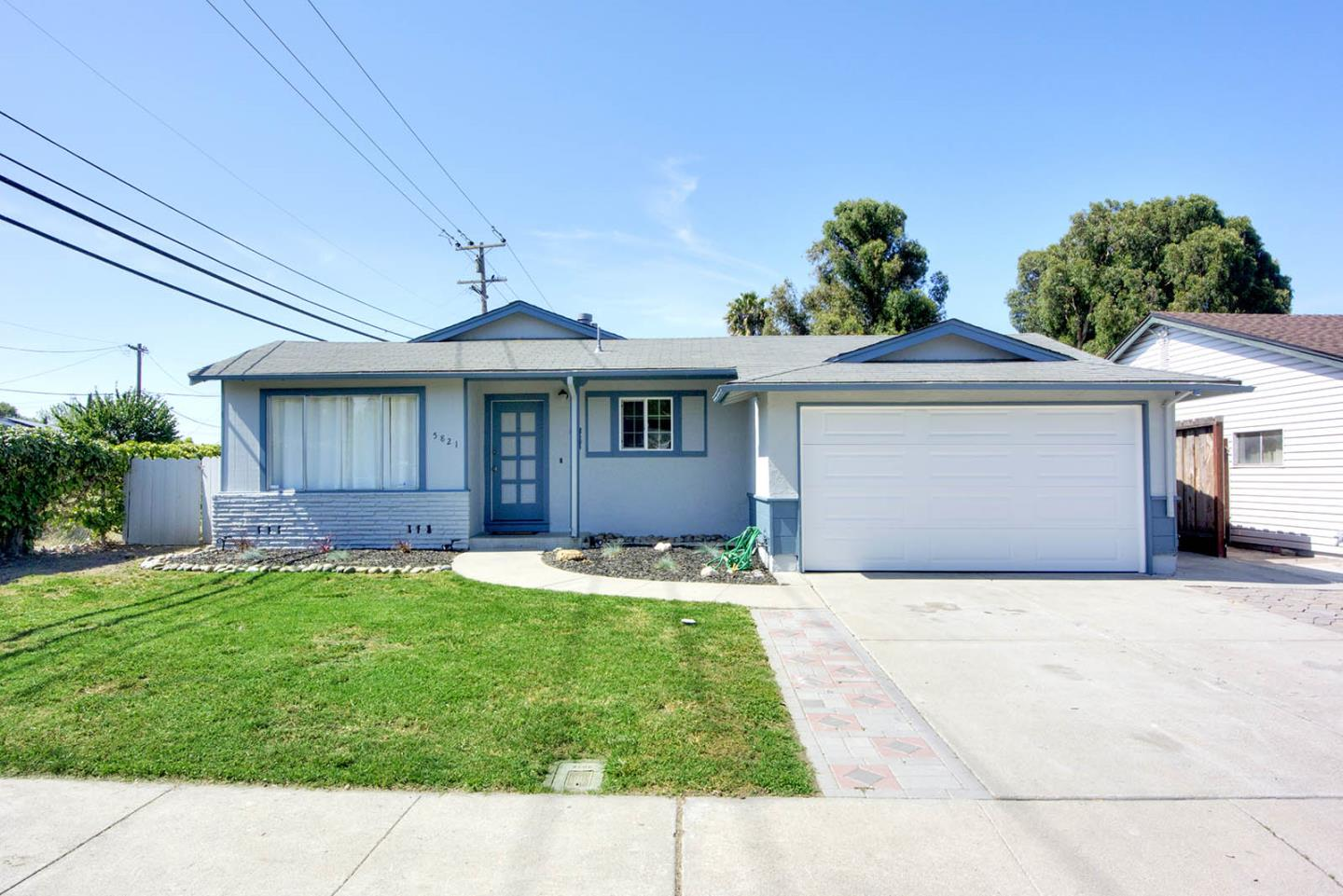 Detail Gallery Image 1 of 1 For 5821 Butano Park Dr, Fremont, CA 94538 - 3 Beds   2 Baths