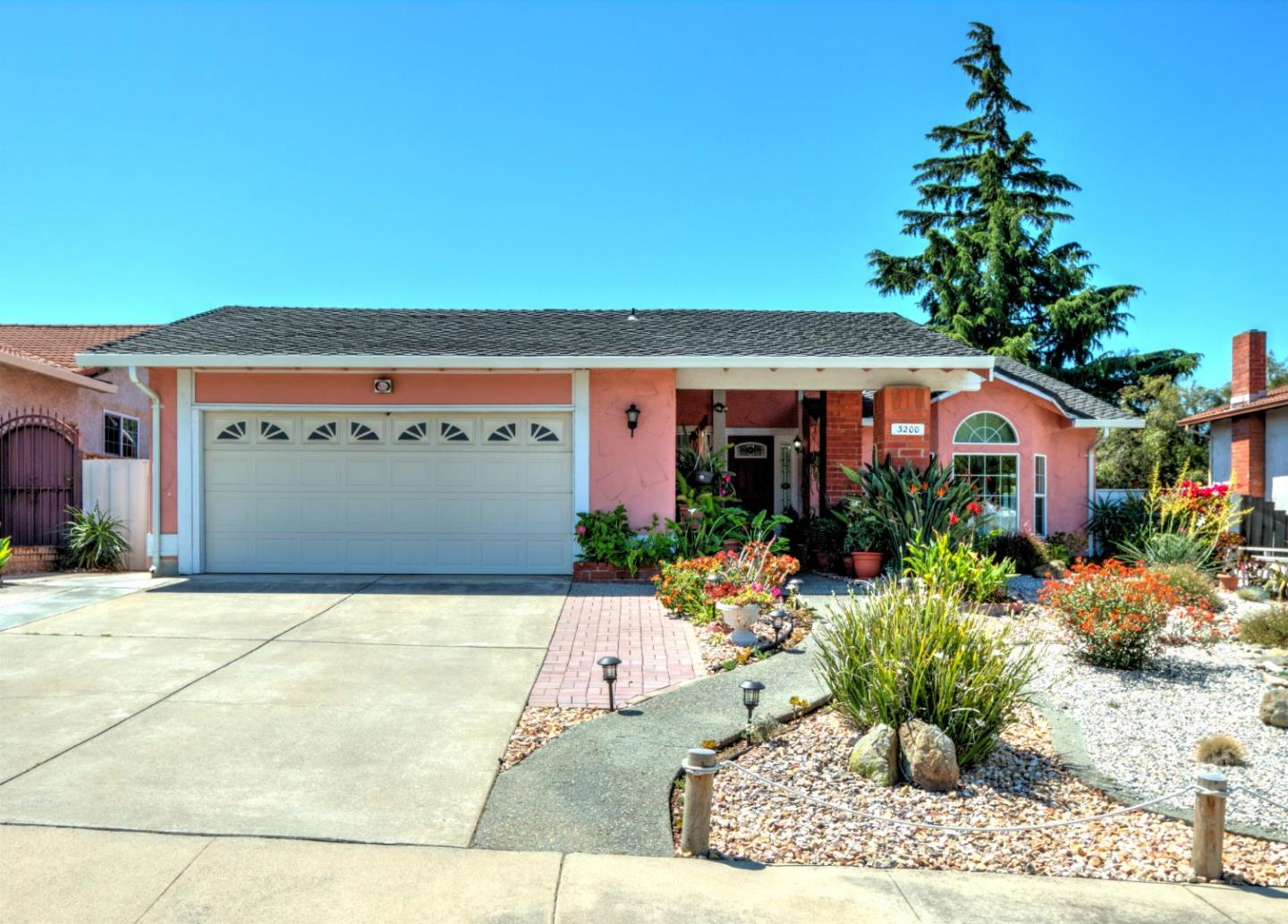 3200 Simberlan DR, Evergreen, California