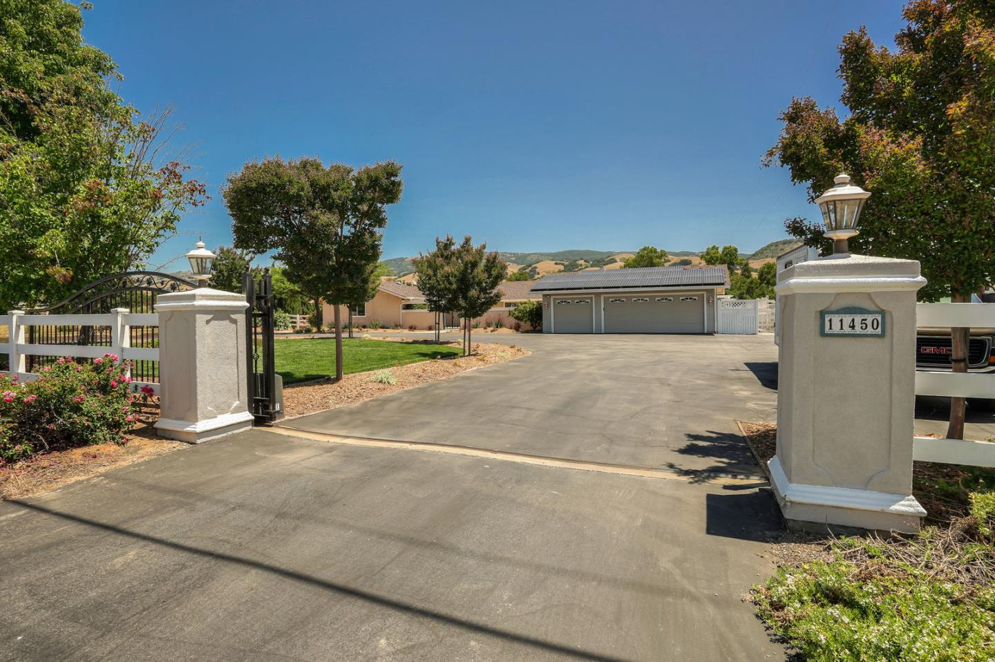 Detail Gallery Image 1 of 46 For 11450 New Ave, Gilroy, CA 95020 - 4 Beds | 2/1 Baths