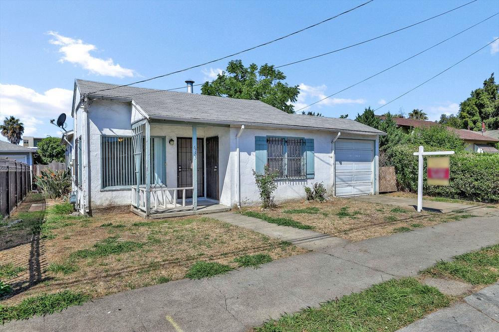Photo of  6725 Eastlawn Street Oakland 94621