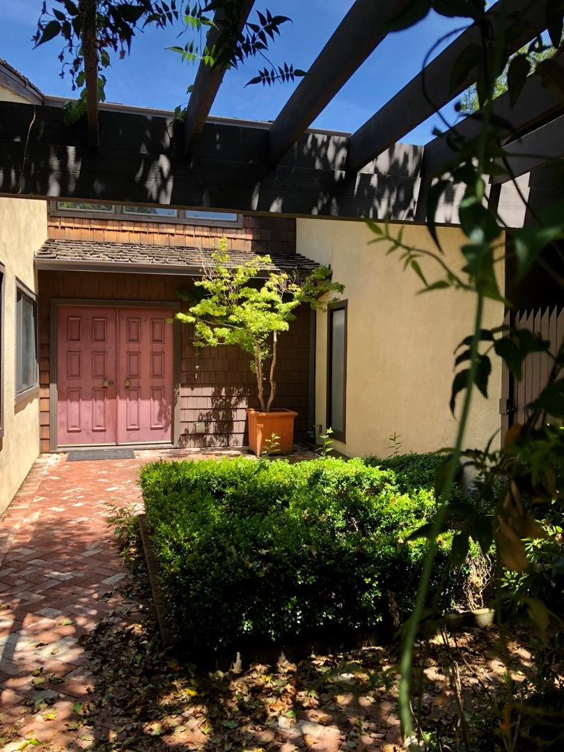 Menlo Park Townhouse By John Lum Architecture: Menlo Park Homes For Sale