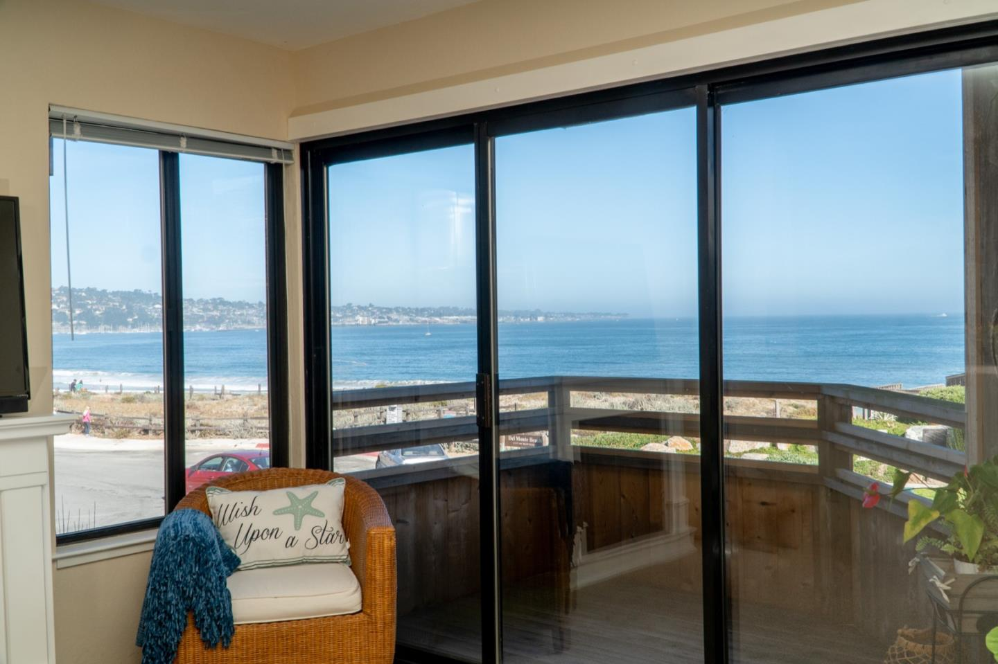 Detail Gallery Image 1 of 1 For 125 Surf Way #302, Monterey, CA 93940 - 1 Beds | 1 Baths