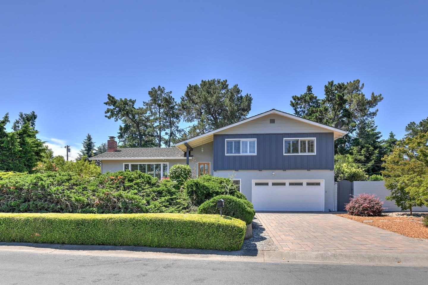 Detail Gallery Image 1 of 1 For 1564 Vineyard Dr, Los Altos, CA 94024 - 3 Beds | 2/1 Baths