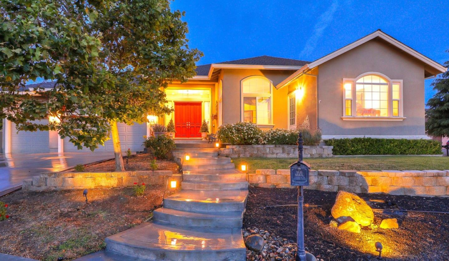 Detail Gallery Image 1 of 1 For 92 Rob Ct, Hollister, CA 95023 - 4 Beds | 3/1 Baths