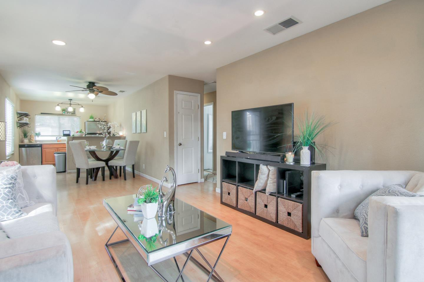 Detail Gallery Image 1 of 1 For 2946 Murman Ct, San Jose, CA 95148 - 2 Beds | 1 Baths
