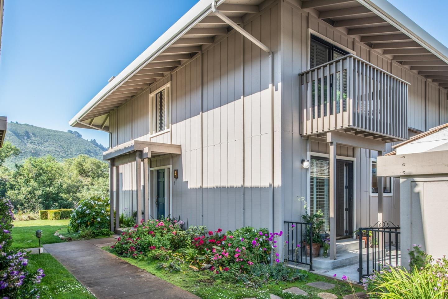 Detail Gallery Image 1 of 32 For 3850 Rio Rd #3, Carmel, CA 93923 - 2 Beds | 2/1 Baths