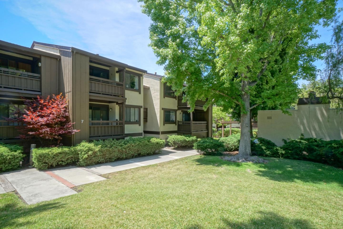 Detail Gallery Image 1 of 17 For 765 San Antonio Rd #60, Palo Alto, CA, 94303 - 3 Beds | 2 Baths