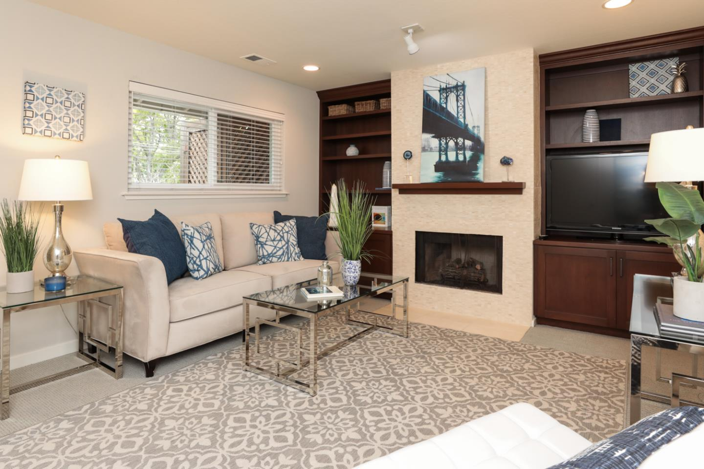 Detail Gallery Image 1 of 1 For 190 Everett Ave, Palo Alto, CA 94301 - 2 Beds | 1 Baths