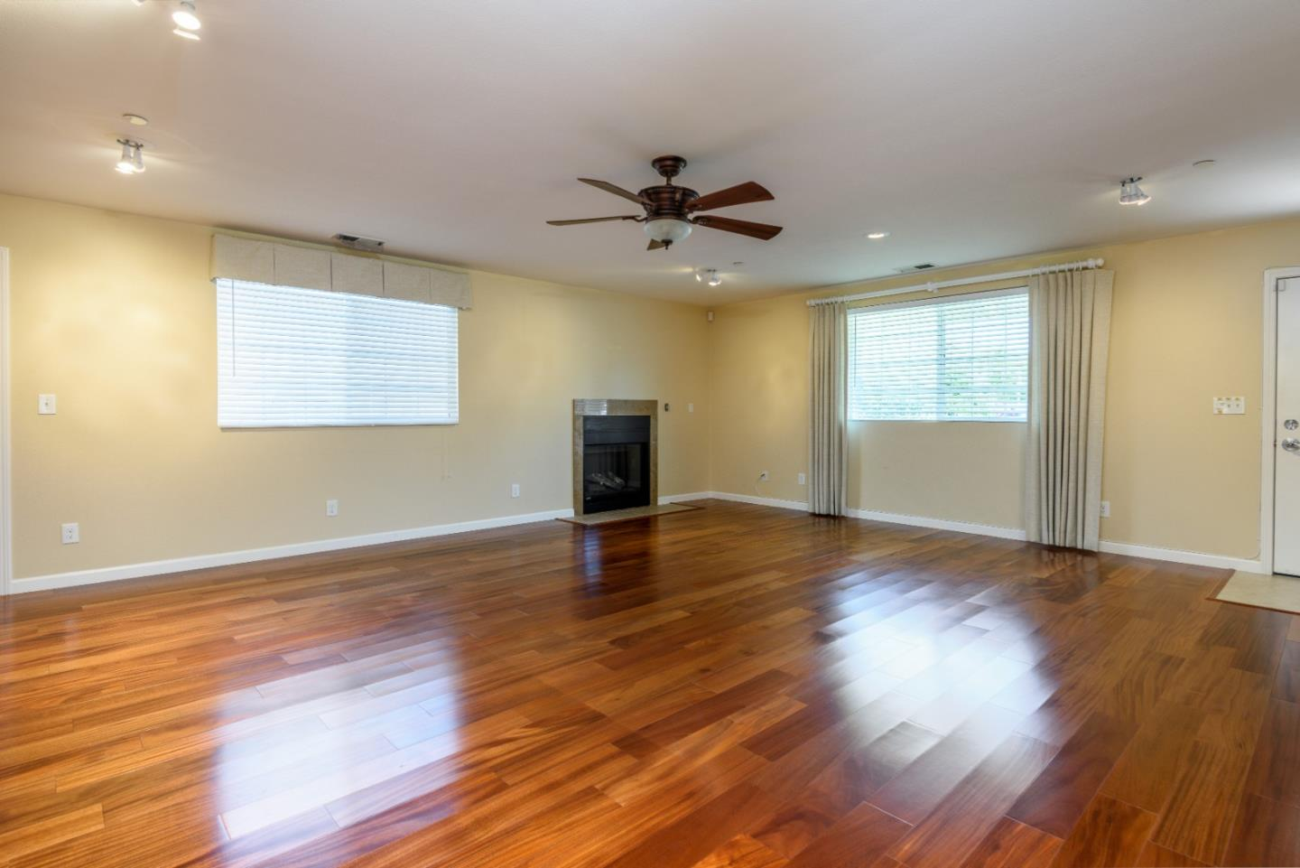 609 Stanford Ave Redwood City Ca 94063 Sotheby S