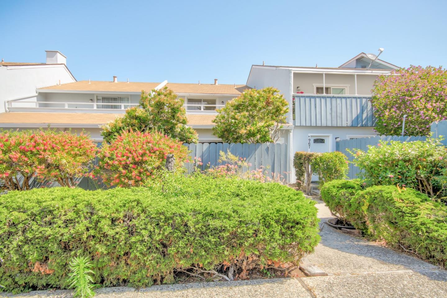 Detail Gallery Image 1 of 1 For 967 Hilby Ave G, Seaside, CA 93955 - 2 Beds | 1/1 Baths