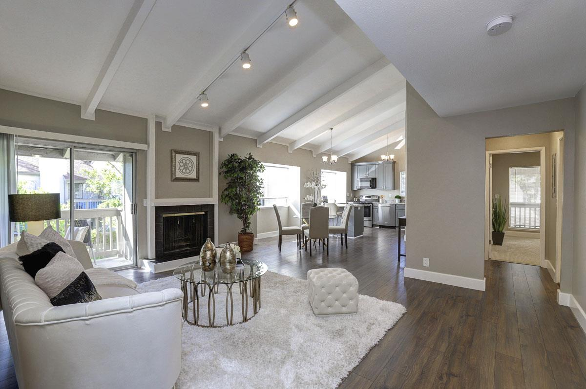 Detail Gallery Image 1 of 1 For 19220 Vineyard Ln, Saratoga, CA 95070 - 2 Beds | 2 Baths