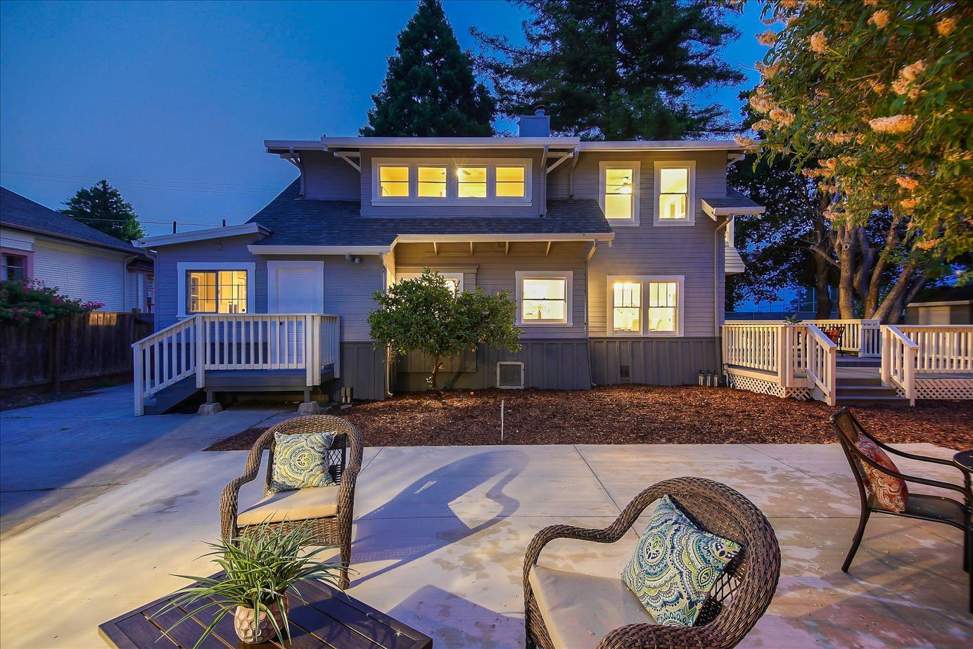 Detail Gallery Image 1 of 1 For 215 Weeks Ave, Santa Cruz, CA 95060 - 5 Beds | 2/1 Baths