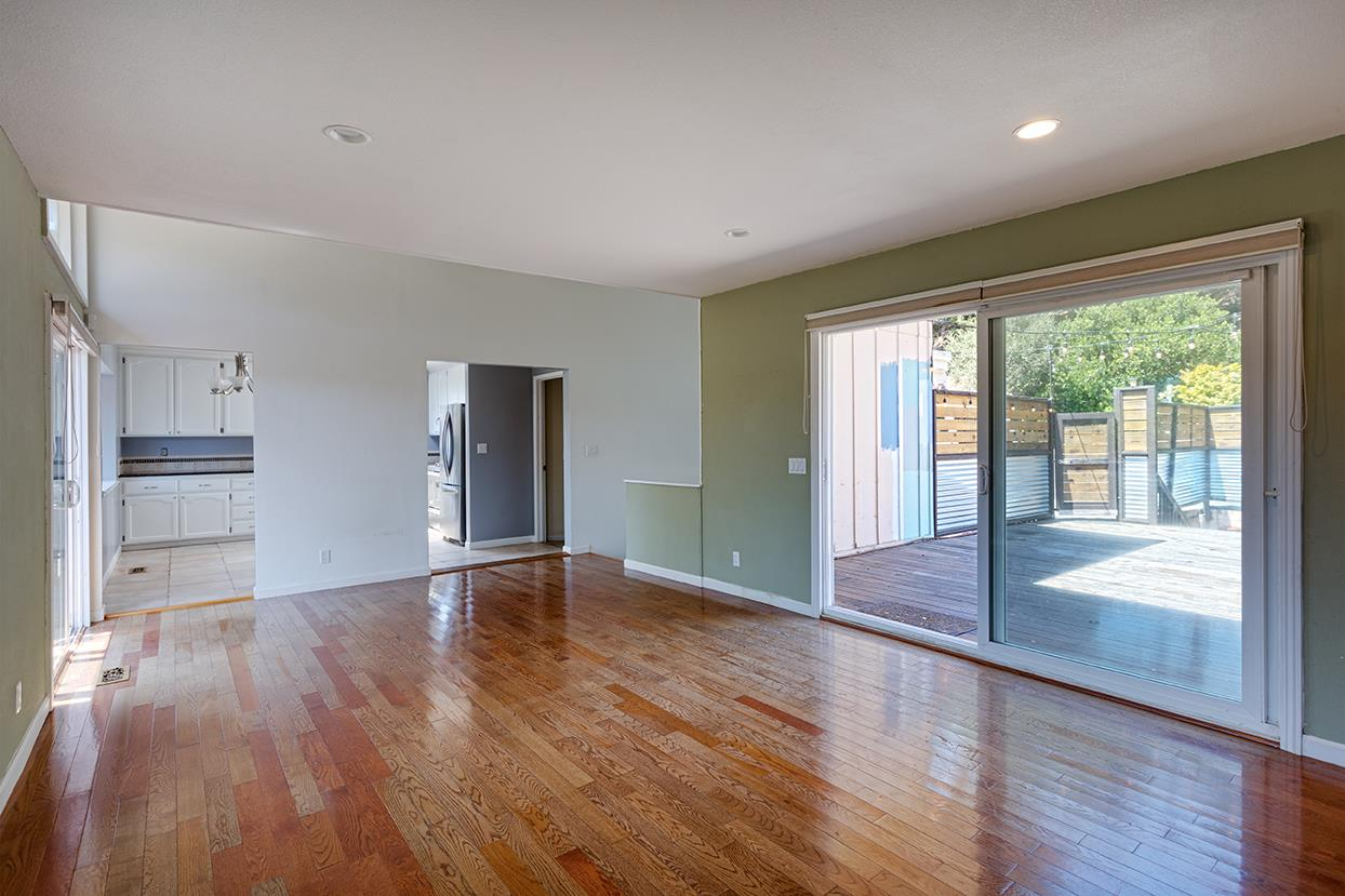 Detail Gallery Image 1 of 18 For 9480 Monroe Ave, Aptos, CA, 95003 - 3 Beds | 2 Baths