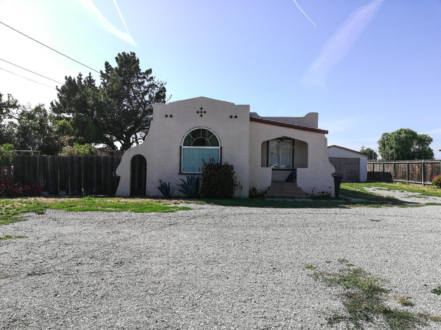 Detail Gallery Image 1 of 1 For 5 10th St, Gonzales, CA 93926 - 2 Beds | 1 Baths