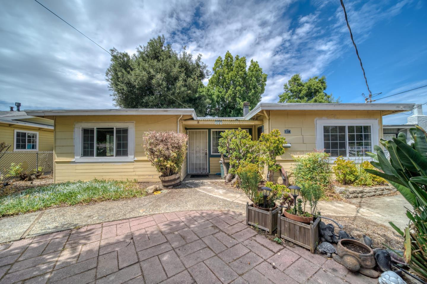 Detail Gallery Image 1 of 1 For 871 Lori Ave, Sunnyvale, CA 94086 - 3 Beds | 2 Baths