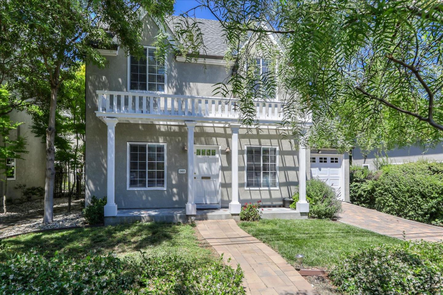 Detail Gallery Image 1 of 1 For 1960 San Ramon Ave, Mountain View, CA 94043 - 3 Beds | 2/1 Baths
