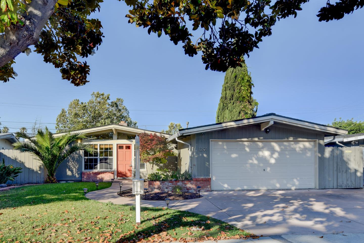 Detail Gallery Image 1 of 1 For 1291 Torrance Ave, Sunnyvale, CA 94089 - 3 Beds | 2 Baths
